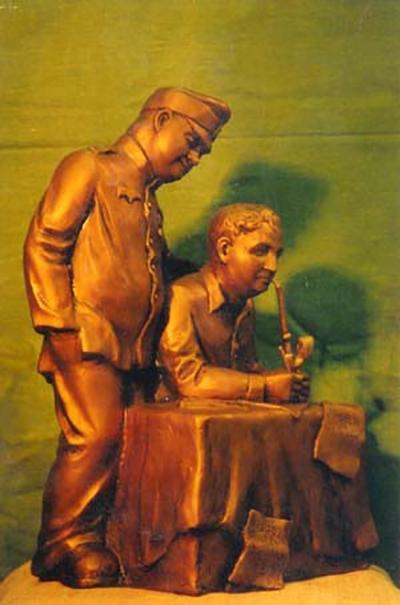 Гашек и Швейк  скульптура