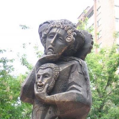 Открытие памятника «Театр и Город»