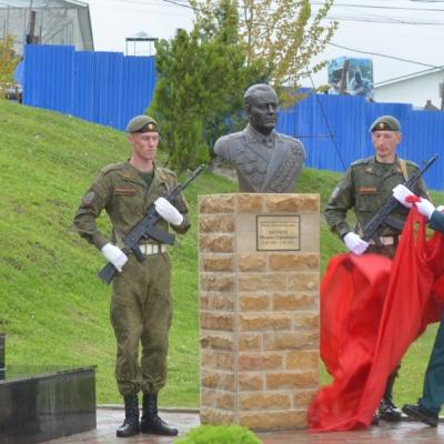 Открытие бюста Маршалу бронетанковых войск М.Е. Катукову в Чечне